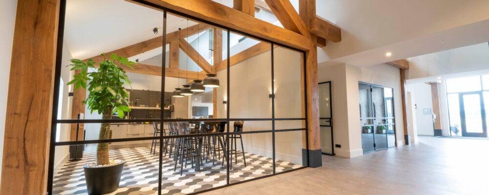 Korteland Schilders - Perfectkeur nieuwbouw Ida Hoeve bedrijfspand - binnenschilderwerk glasvlies