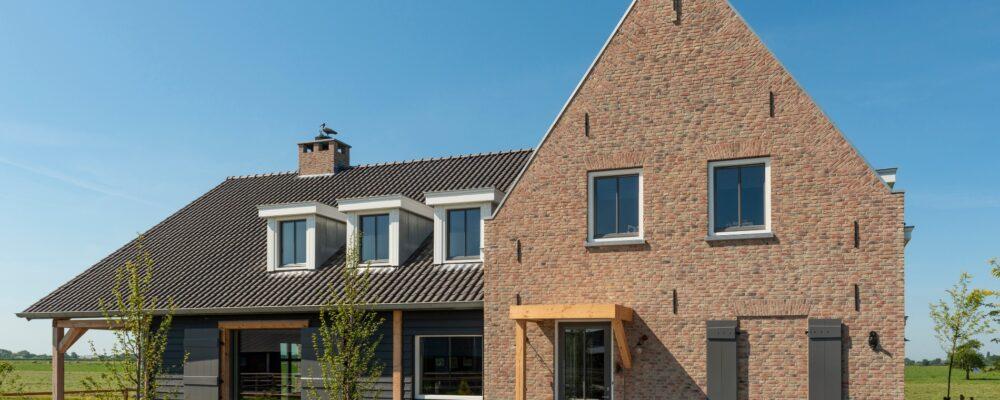 Korteland Schilders - Nieuwsbouwhuis Groot-Ammers i.s.m. aannemersbedrijf De Zeeuw - binnenschilderwerk buitenschilderwerk betonlook verf